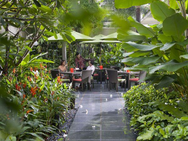 Mandarin Oriental Singapore cafe