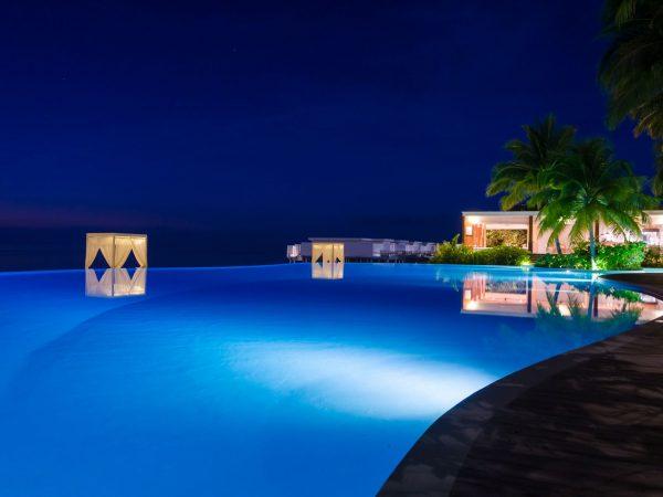 Amilla Fushi pool night shots
