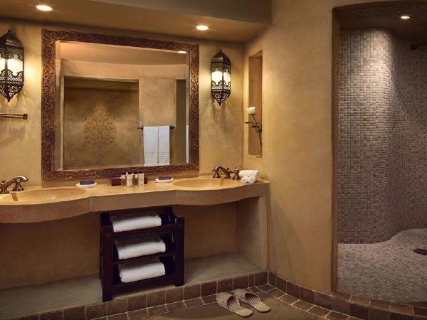 Bab Al Shams Deluxe Suite Bathroom