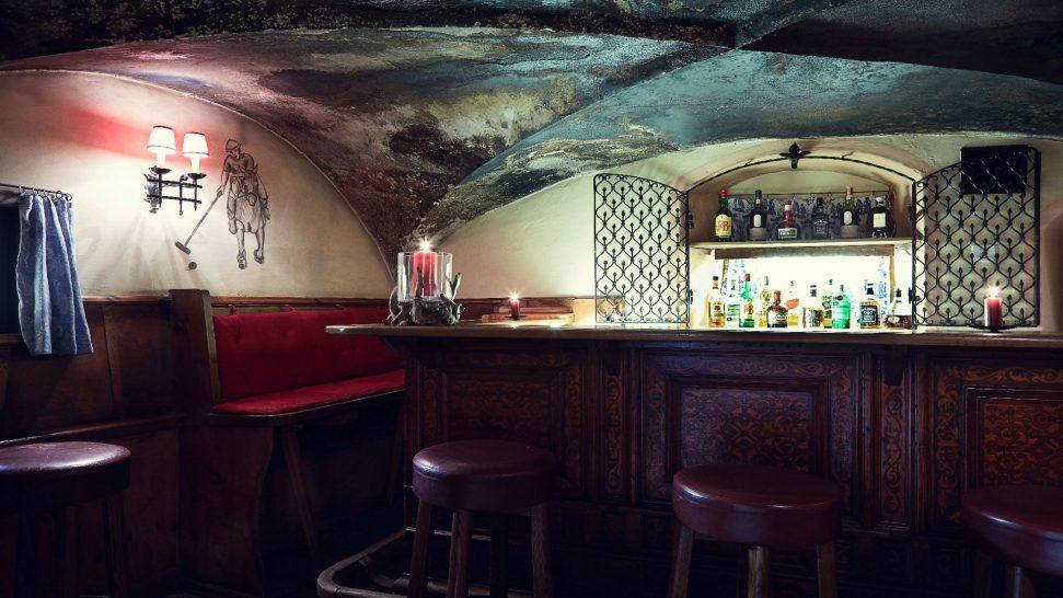 Badrutts Palace Hotel Chesa Veglia Bar Carigiet