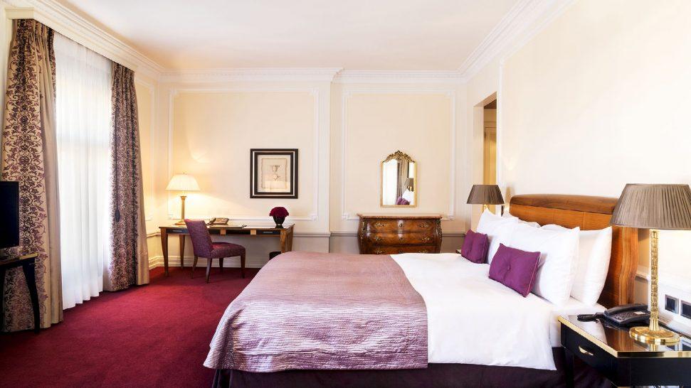 Bellevue Palace standard double Room