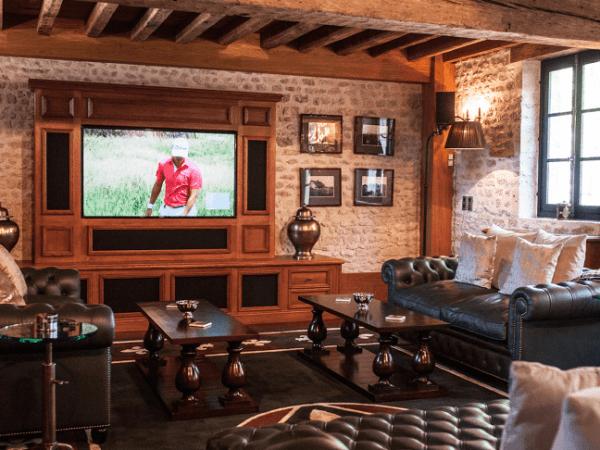 Chateau du Coudreceau Estates Golfers Lounge