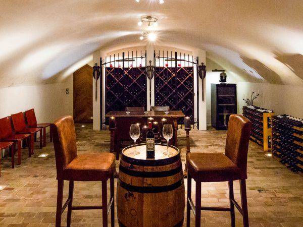 Chateau du Coudreceau Private Golfing Estate Bar