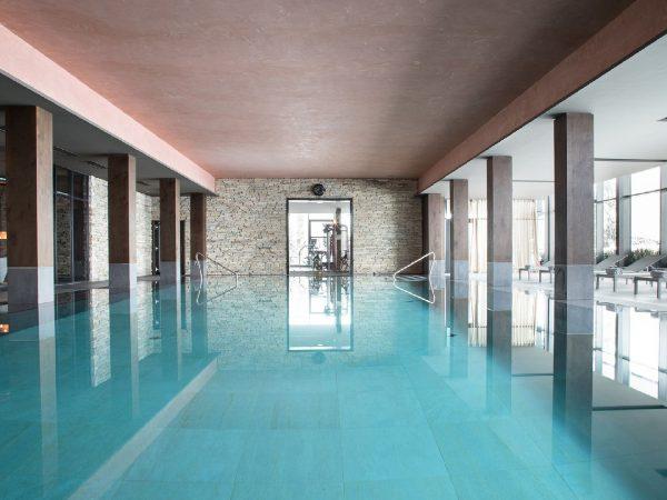 Crans Ambassador Pool