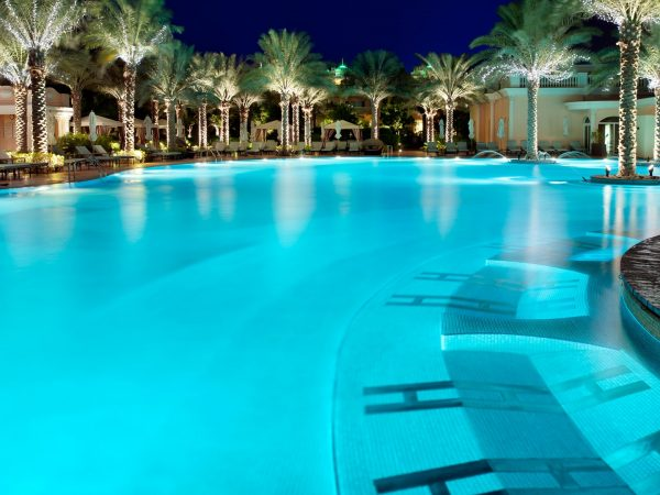 Emerald Palace Kempinski Dubai Outdoor Pool