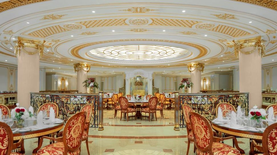 Emerald palace kempinski dubai le jardin restaurant