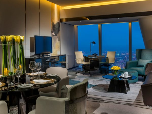 Four Seasons Hotel Guangzhou Deluxe suite river view