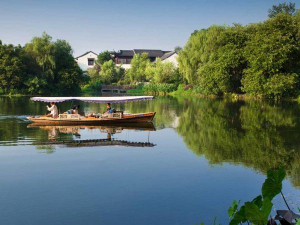 Four Seasons Hotel Hangzhou at West Lake Cruise