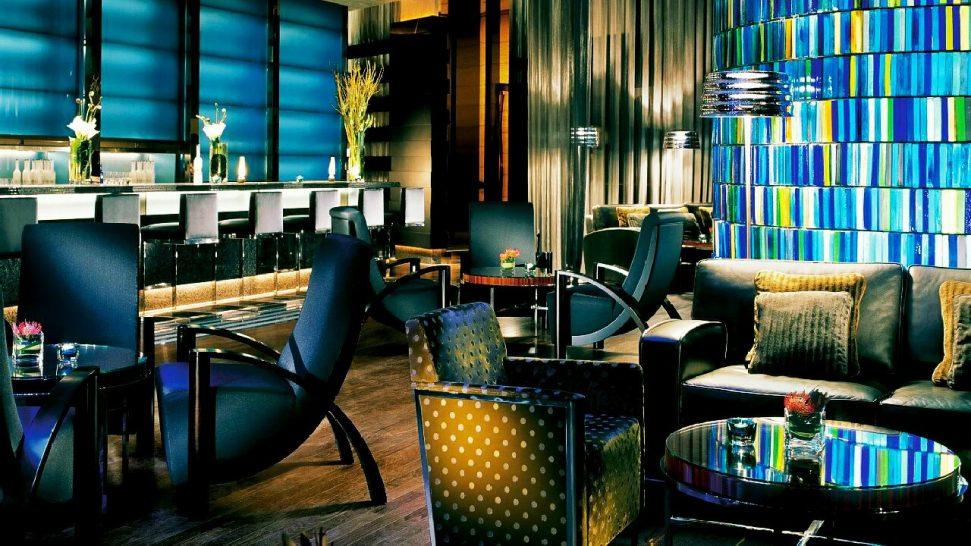 Four Seasons Hotel Hong Kong Blue Bar