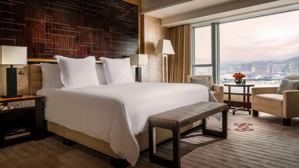 Four Seasons Hotel Hong Kong Club Premier Harbour View Room