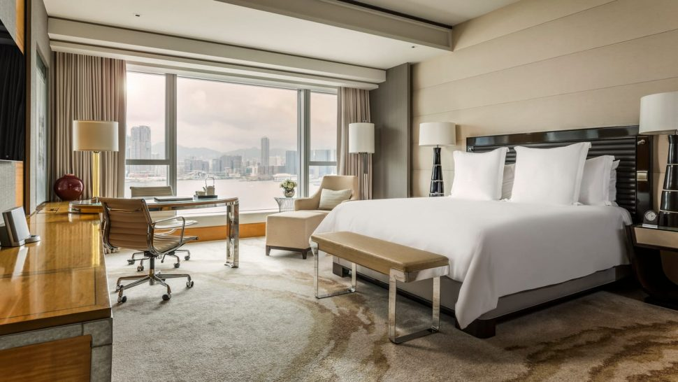 Four Seasons Hotel Hong Kong Deluxe Harbour View Room