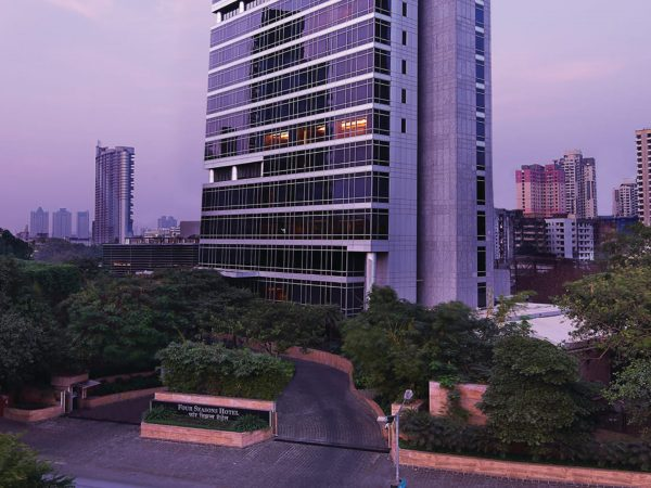 Four Seasons Hotel Mumbai Exterior View