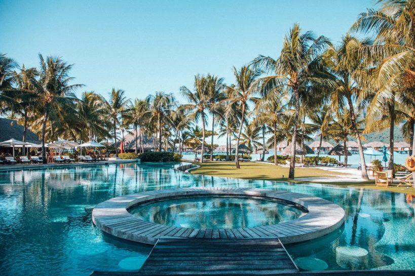 Four Seasons Resort Bora Bora Pool