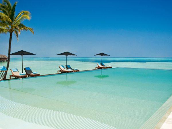 Four Seasons maldives at kuda huraa pool