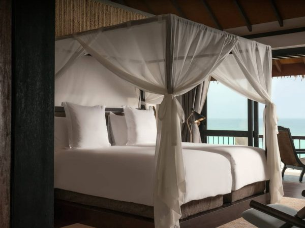 Four Seasons maldives private island at voavah Mezzanine Suites2