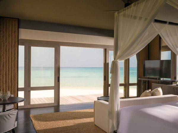 Four Seasons maldives private island at voavah Three Bedroom sea view