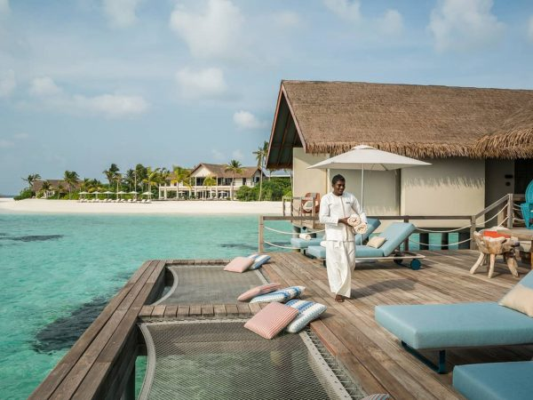 Four Seasons maldives private island at voavah water villa sundex