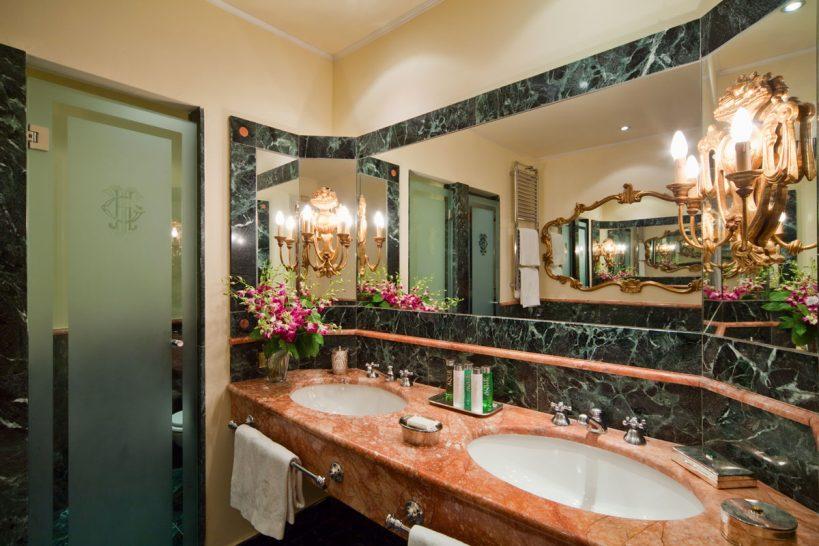 Grand Hotel Tremezzo Park View Deluxe Bathroom