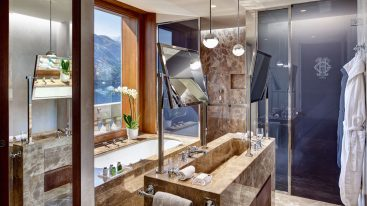 Grand Hotel Tremezzo Rooftop Corner Suite bathroom