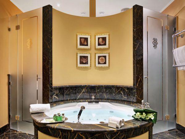 Grand Hotel Tremezzo Suite Aurelia Bathroom