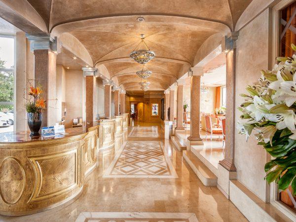 Hotel Eden Roc Lobby Loge