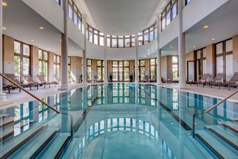 Kempinski Grand Hotel des Bains St Moritz Pool