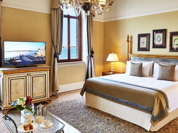 Kempinski Hotel Deluxe room