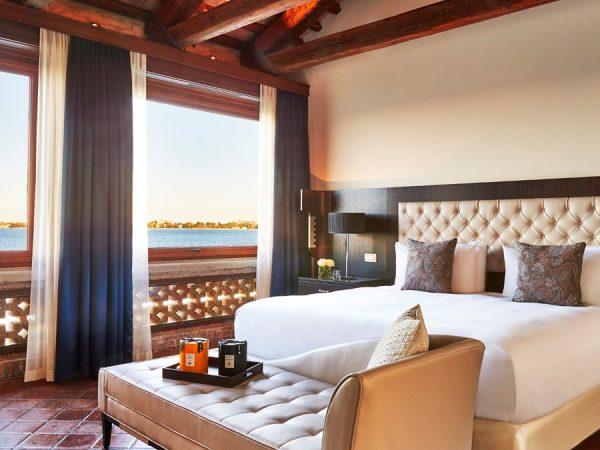 Kempinski Hotel san clemente suite bedroom