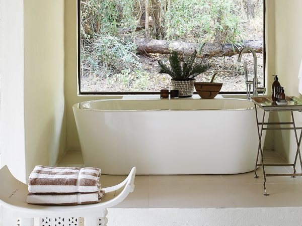 Londolozi Tree Camp Bathtub