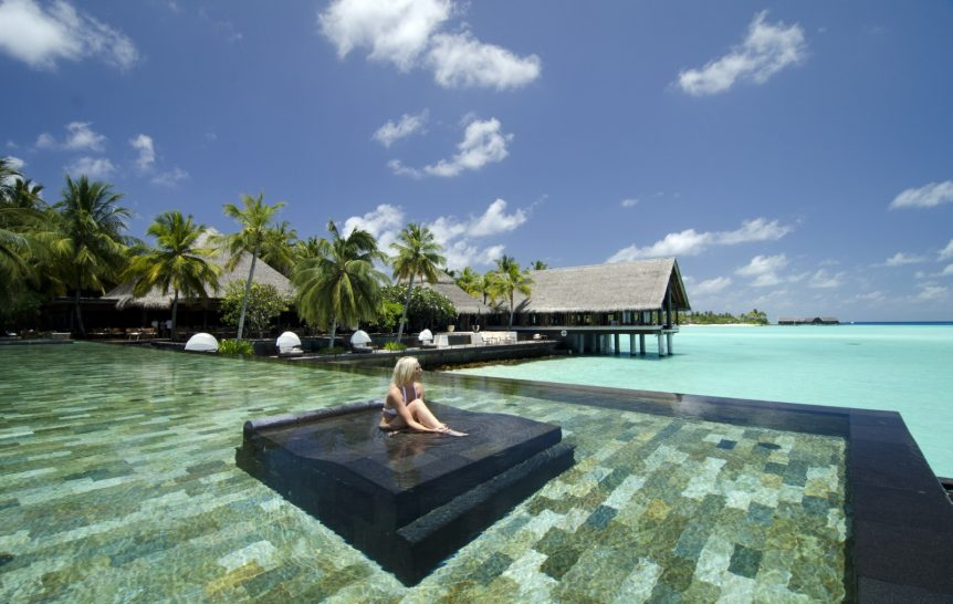 One and Only Reethi Rah Maldives spa pool