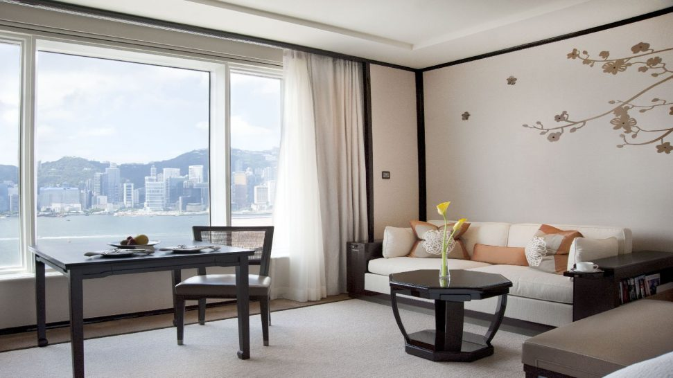 The Peninsula Hong Kong Grand Deluxe Harbour View Room Bedroom