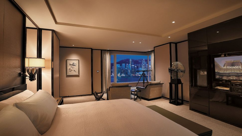 The Peninsula Hong Kong Grand Deluxe Harbour View Suite Bedroom