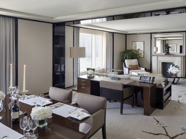 The Peninsula Hong Kong Grand Deluxe Harbour View Suite Living