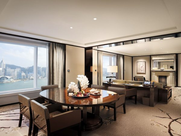 The Peninsula Hong Kong Grand Deluxe Harbour View Suite Living room