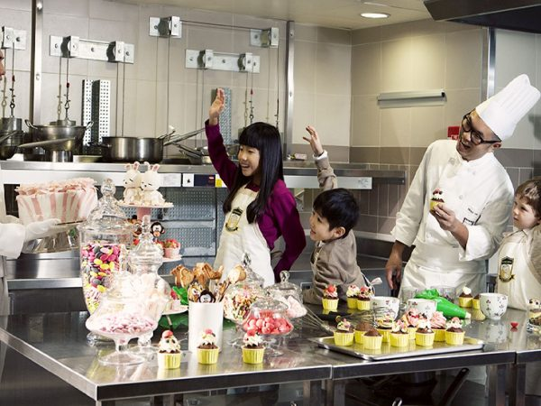 The Peninsula Hong Kong Pastry Chefs Cooking Classes