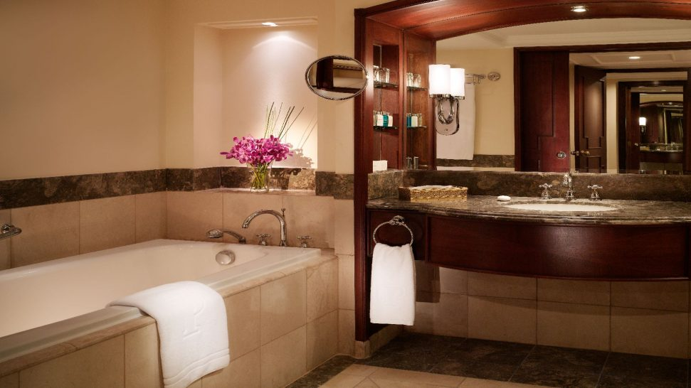 Peninsula Manila Peninsula Bathroom