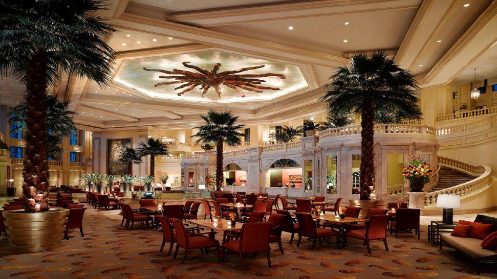 Peninsula Manila The Lobby