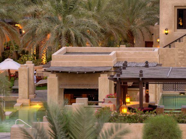 Bab Al Shams Pool Bar