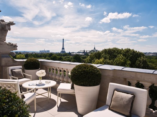 Rosewood De Crillon Paris Outside View