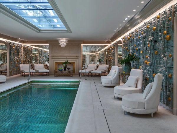 Rosewood Hotel de Crillon pool