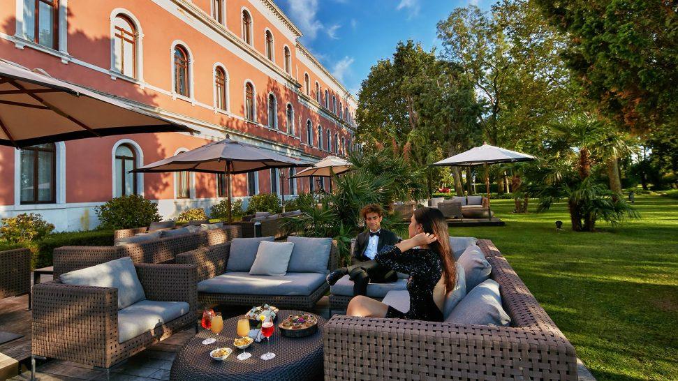 San Clemente Palace Kempinski Venice Garden Bar