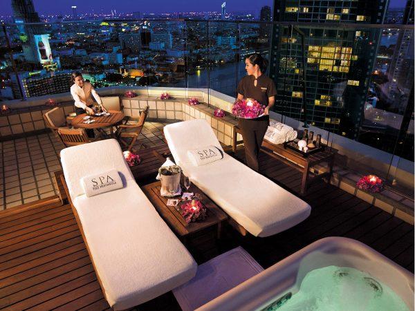 The Peninsula Bangkok Terrace Jacuzzi