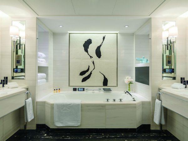 The Peninsula Beijing Deluxe Room Bathroom