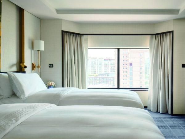 The Peninsula Beijng Deluxe Room Twin Bed
