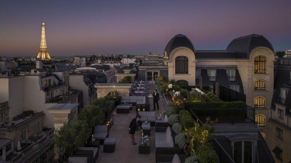 The Peninsula Paris L'Oiseau Blanc Terrace by Night