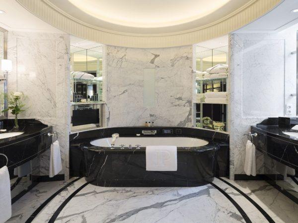The Peninsula Paris Bathroom