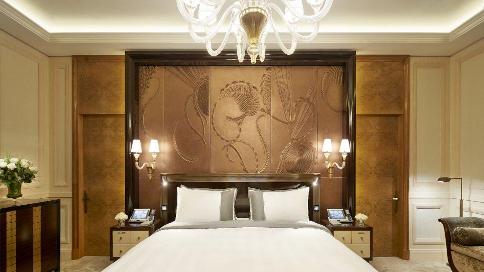 The Peninsula Suite Bedroom