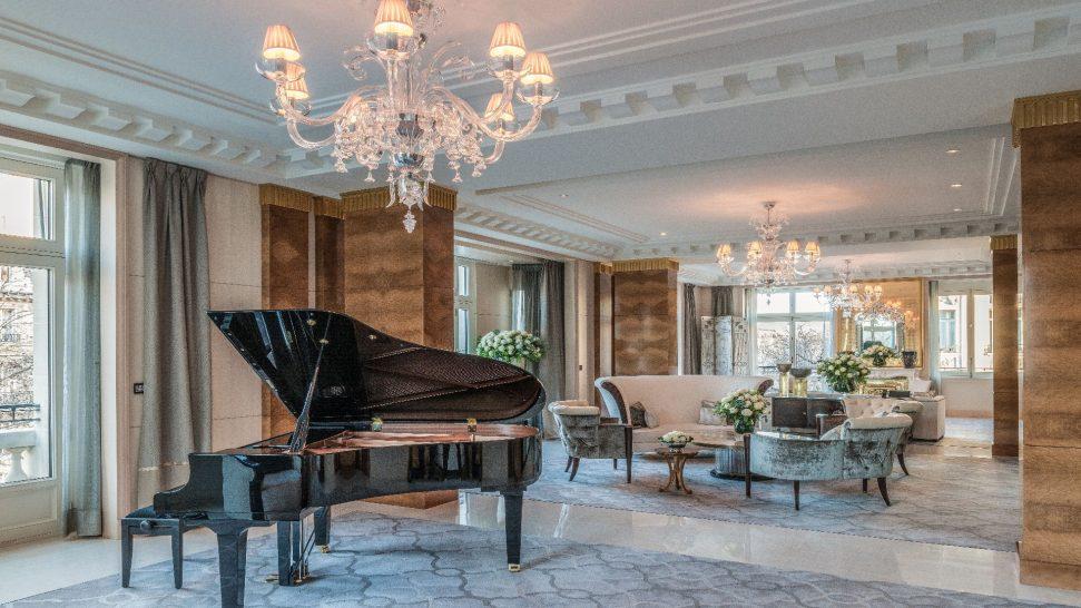 The Peninsula Suite Living Room