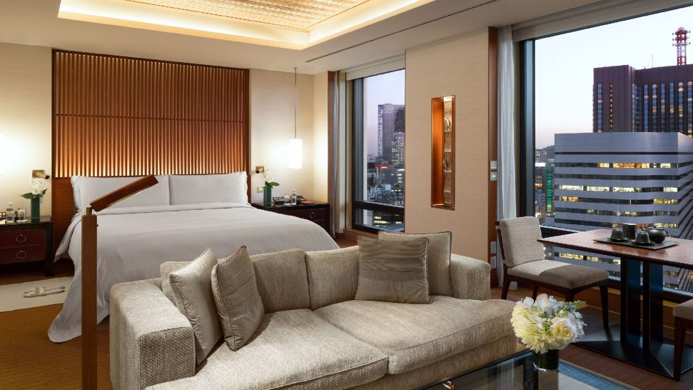 The Peninsula Tokyo Deluxe Park View King Room with Turndown Service