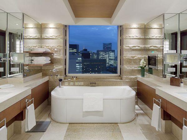 The Peninsula Tokyo Deluxe Suite Bathroom